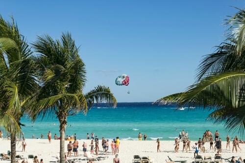 cuanto cuesta ir a cancun