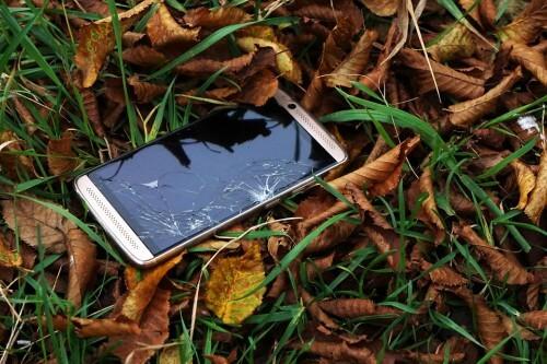 Cuanto cuesta cambiar la pantalla de un celular