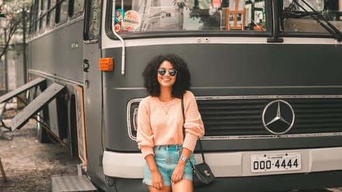 Cuánto cuesta alquilar un autobús para una boda o excursión